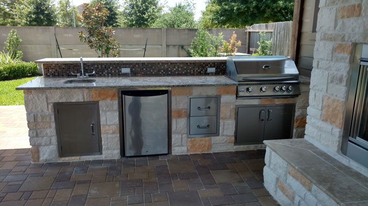 Outdoor Kitchen Austin Limestone | Home Remodeling | Patios ...